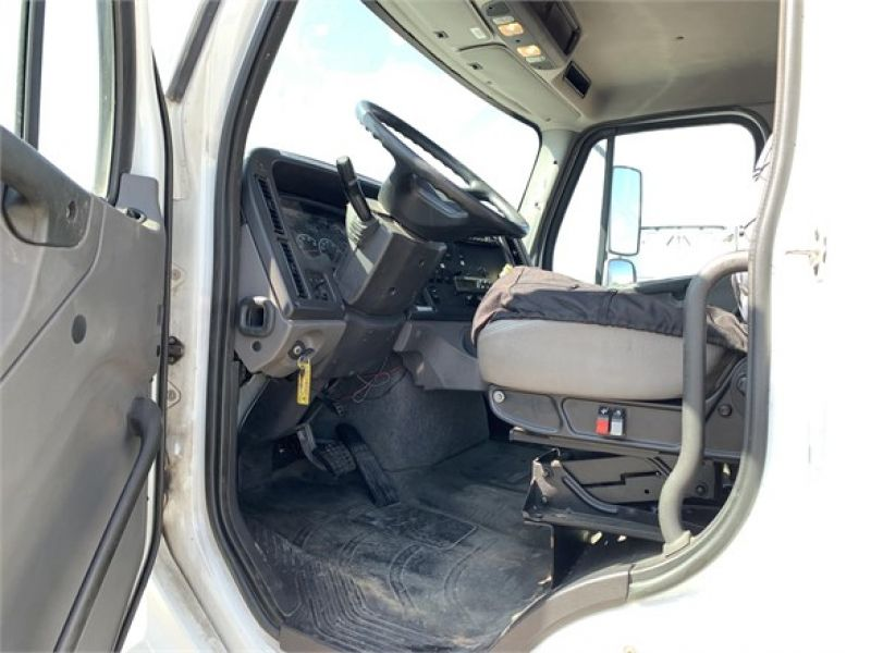 2012 FREIGHTLINER BUSINESS CLASS M2 112 4259325525